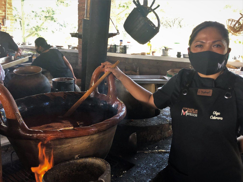 cocina mixteca mole de caderas