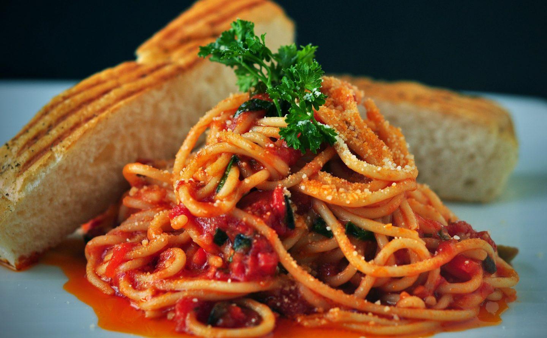 cocinar espagueti qué comen los deportistas